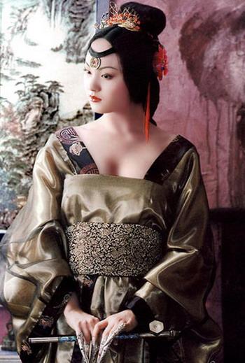Belles chinoises portant danciens costumes