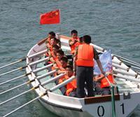 Une course de sampan marque le 60e anniversaire de la Marine chinoise