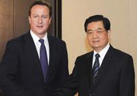 Entretien entre le président chinois et le PM britannique à Toronto