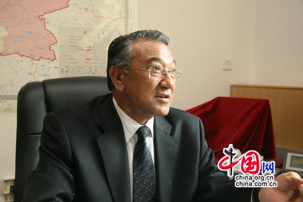 M. Wumaier Abudula, directeur général du comité pour le développement et la réforme de la région autonome ouïgoure du Xinjiang