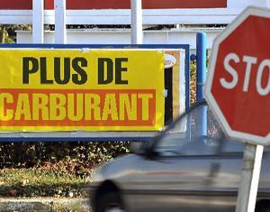 Manifestations en France : un millier de stations-service manquent de carburants