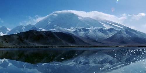 Xinjiang : le lac Kalakule, perle de la nature