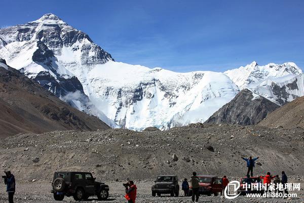 L'Everest est le plus haut sommet du monde.