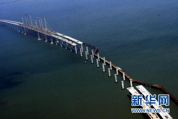 Qingdao : Fin de la première étape du pont Haiwan(1)