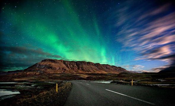 Islande   Vue Magnifique De L U0026 39 Aurore Bor U00e9ale