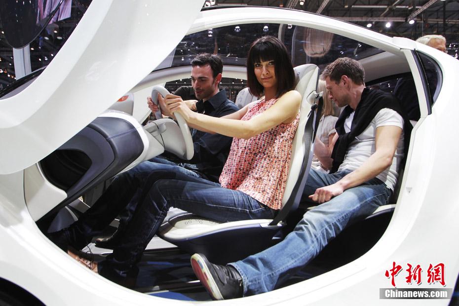 Les belles h tesses du salon international de l 39 automobile - Salon international de l automobile de geneve ...