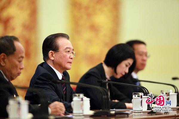 Wen Jiabao met l'accent sur la réforme des critères d'évaluation des fonctionnaires du gouvernement