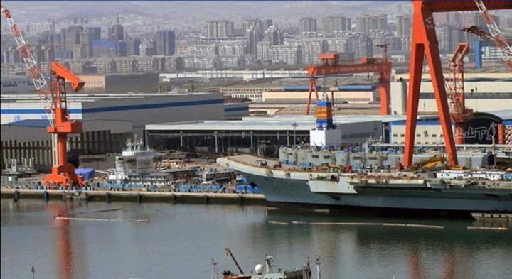 Le porte-avion chinois s'apprête à partir en mer_5