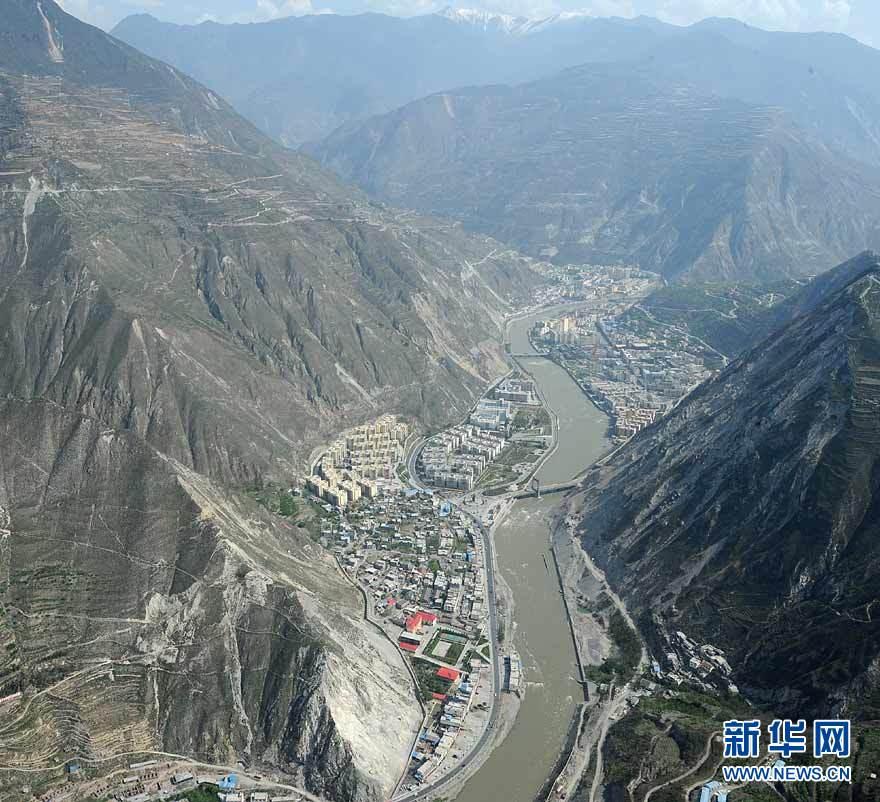 Vue panoramique des régions reconstruites dans le Sichuan_2
