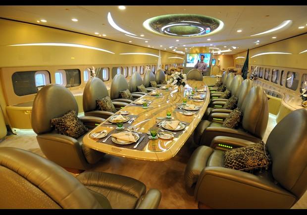 L 39 int rieur du boeing 747 priv du prince d 39 arabie saoudite for Interieur 747