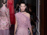 Fashion Week Haute Couture à Paris : défilé de Valentino