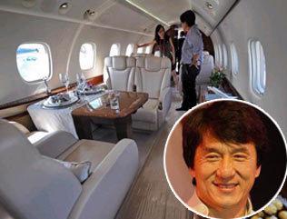 Arriv e de jackie chan xi 39 an en jet priv - Jet prive de luxe interieur ...