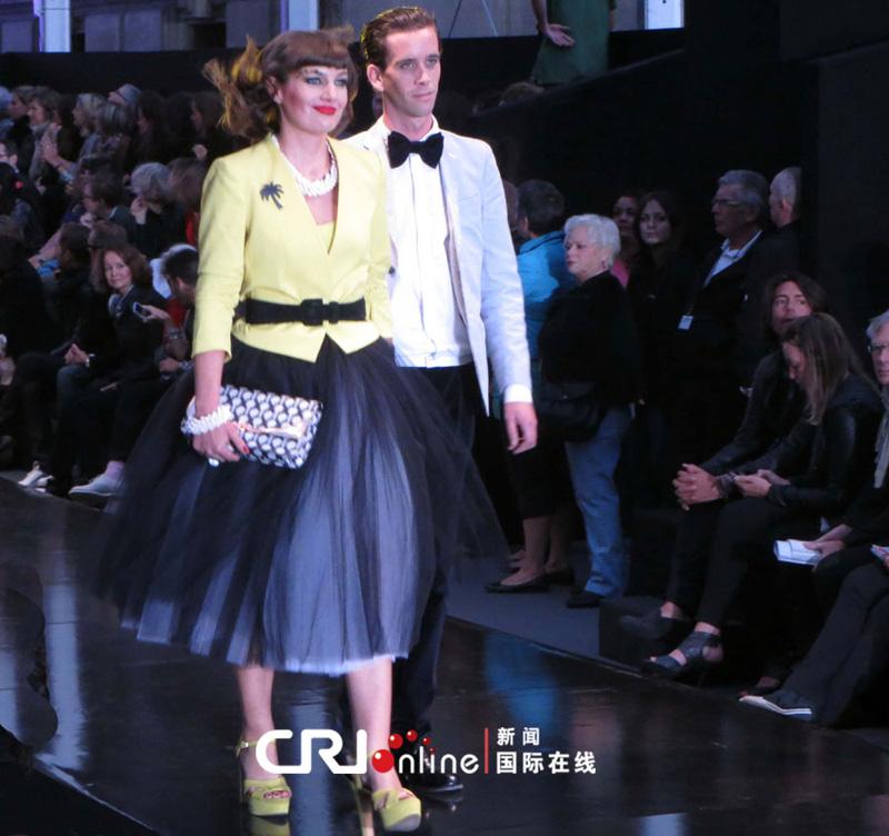 Le plus grand défilé de mode du monde à Paris 2