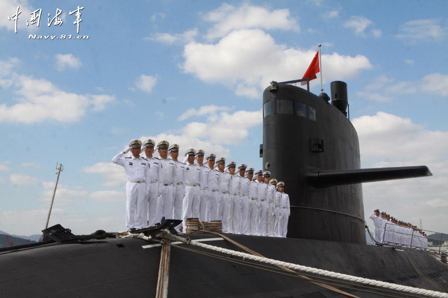 D couverte en images de l 39 int rieur du nouveau sous marin for Interieur sous marin
