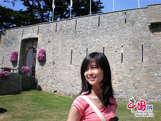 Une jeune fille chinoise en quête de l'amour en France