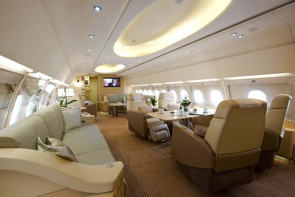 r serv aux milliardaires l 39 int rieur du jet priv d 39 airbus. Black Bedroom Furniture Sets. Home Design Ideas