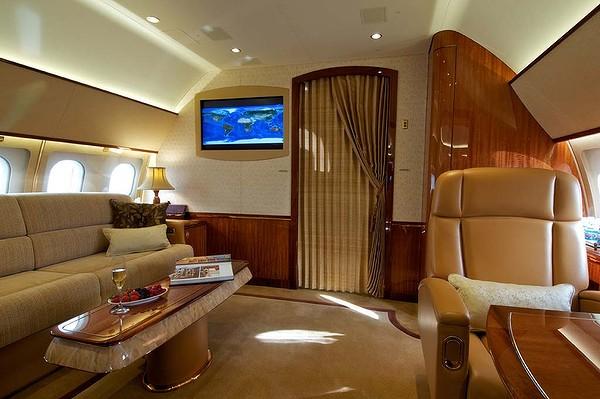 r serv aux milliardaires l 39 int rieur du jet priv d 39 airbus. Black Bedroom Furniture Sets. Home Design Ideas