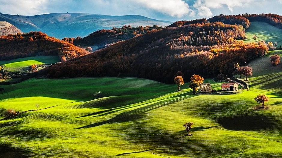 des paysages magnifiques des campagnes italiennes et fran aises. Black Bedroom Furniture Sets. Home Design Ideas