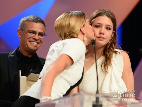 Une romance lesbienne séduit Cannes et rafle la Palme d'or