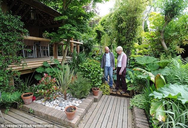 Un anglais passe 20 ans construire son jardin tropical for Jardin wilson