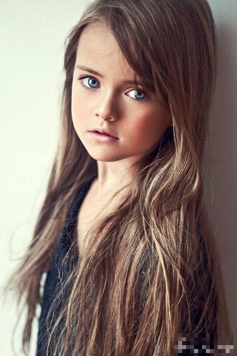 Kristina Pimenova : Un Jeune Mannequin Au Visage D'ange