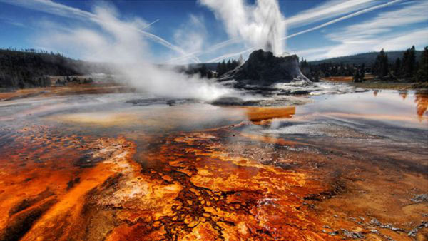 Parc national de Yellowstone: le supervolcan souterrain fait fondre la route