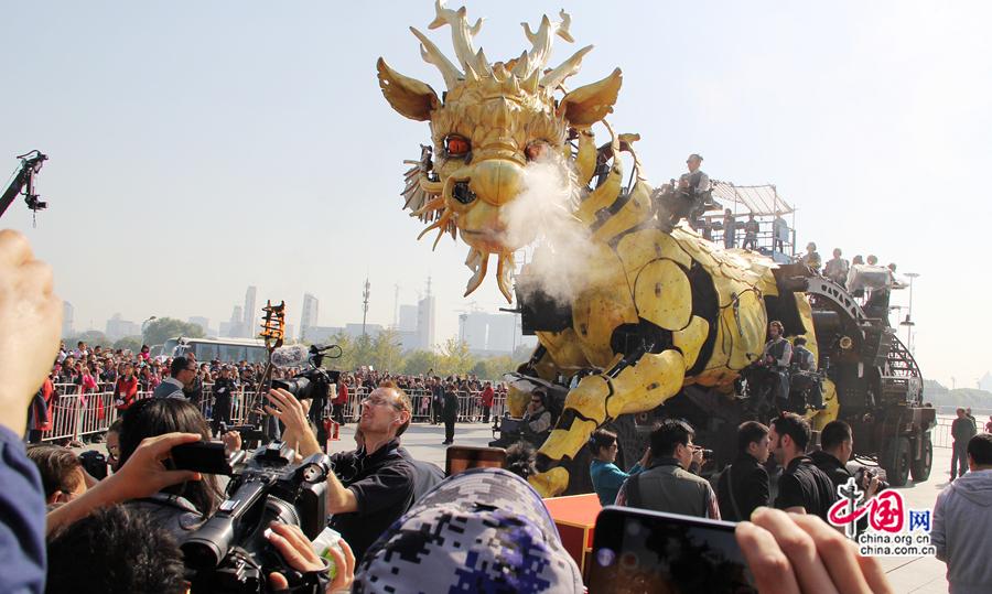 un ministre chinois r veille le cheval dragon fran ais beijing. Black Bedroom Furniture Sets. Home Design Ideas