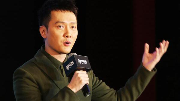 L'âme de Feng s'envole à la rencontre des covedettes du film Le Totem du Loup