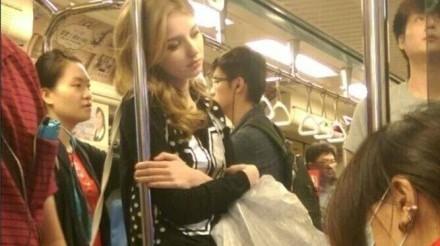Cette jeune femme lituanienne au visage d'ange fait le buzz à Taipei