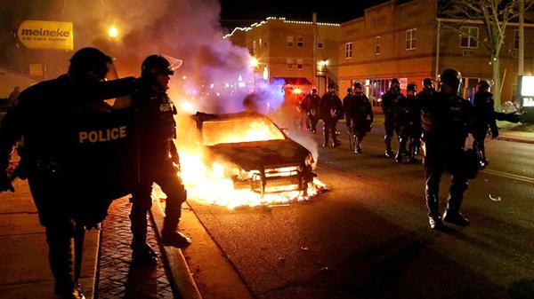 Ferguson : Obama lance un appel au calme