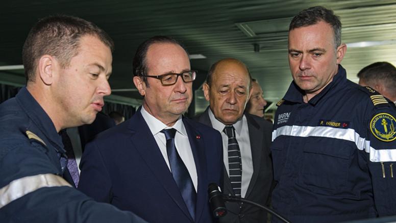 Lutte contre le terrorisme : Le porte-avions français Charles de Gaulle se dirige vers le golfe Persique