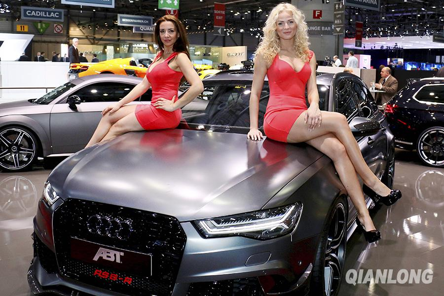 En images les jolies h tesses du salon de l 39 automobile for Adresse salon de l auto geneve
