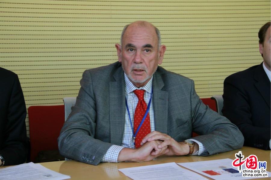df09f154bedc Richard Yung, sénateur et président du Comité national anti-contrefaçon  (CNAC)