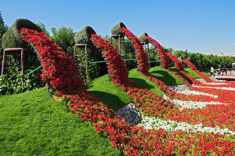 Dubaï : le plus grand jardin de fleurs au monde ouvre en plein désert !