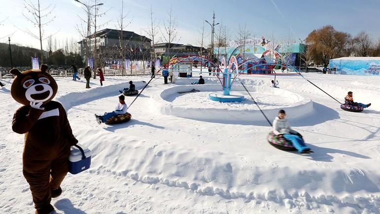 Beijing : ouverture du Festival de glace et de neige à Yanqi