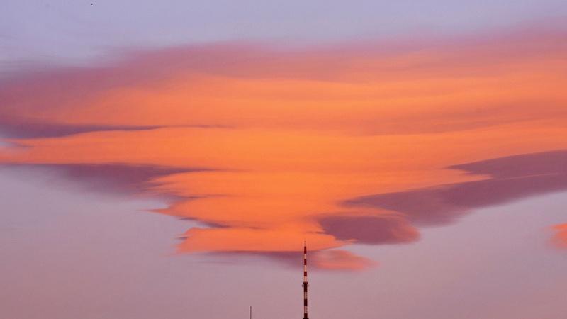 Beijing : apparition de nuages en forme d'OVNI