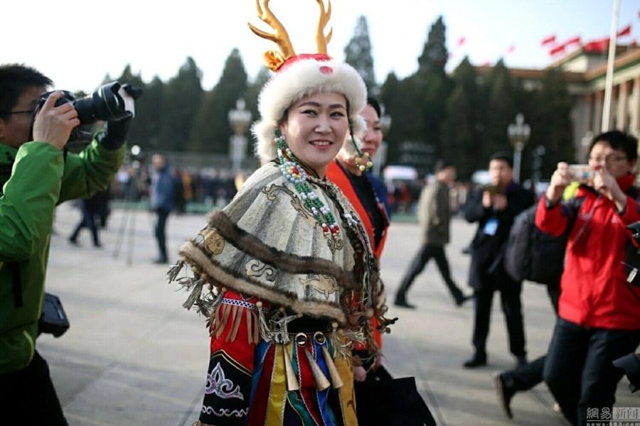 Chine : les représentants des minorités ethniques aux deux sessions de 2016