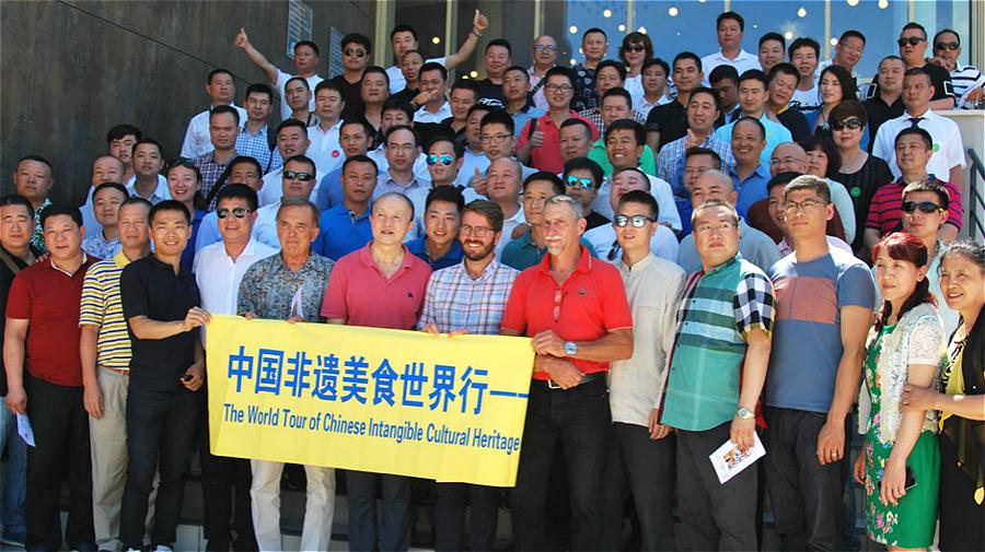 ... chinois, Li Keqiang (photo) se sont rencontrés à Pékin. | Photo d