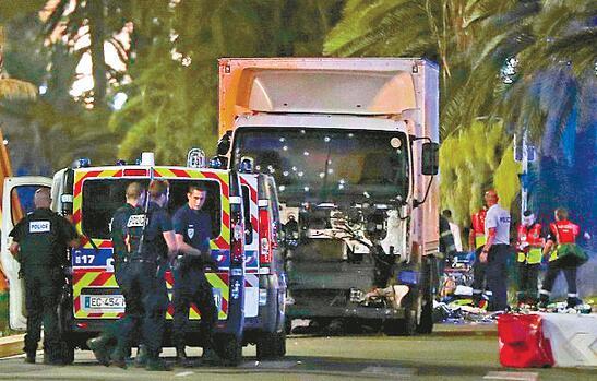 Pourquoi la France est-elle la cible d'attaques terroristes successives ?