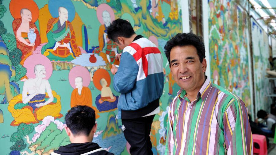 La naissance de peintures thangka géantes