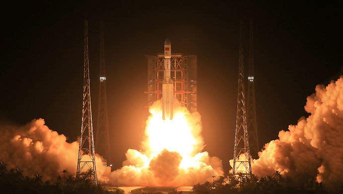 Deux fusées « Longue Marche » transférées à leur base de lancement