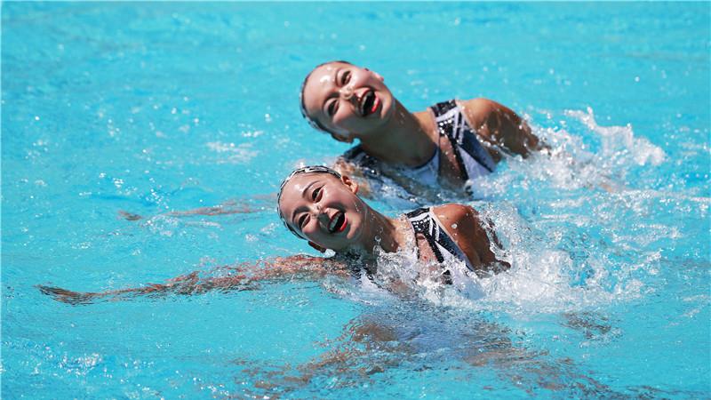 JO de Rio : le duo chinois de nage synchronisée Huang Xuechen et Sun Wenyan en finale
