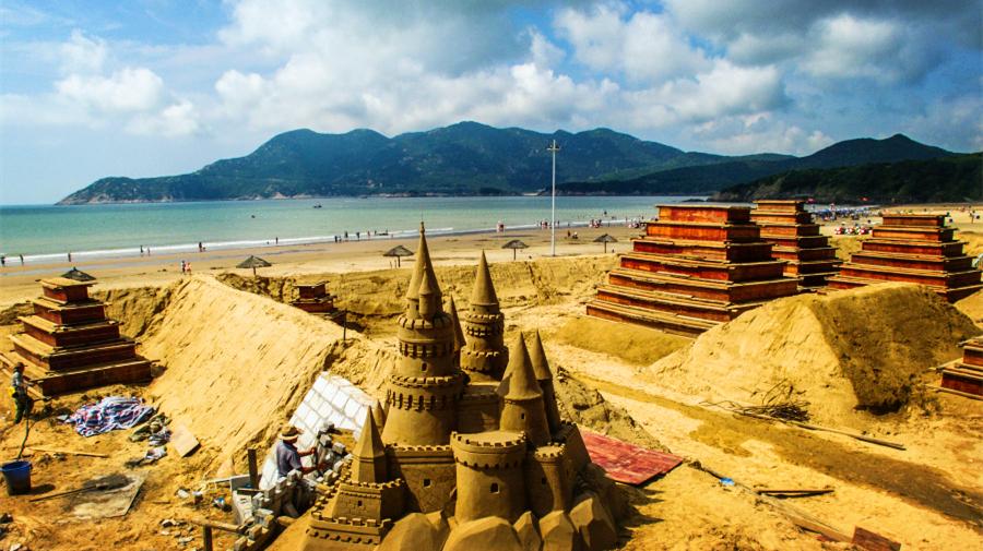 Chine : des sculptures de sable marquant le sommet du G20