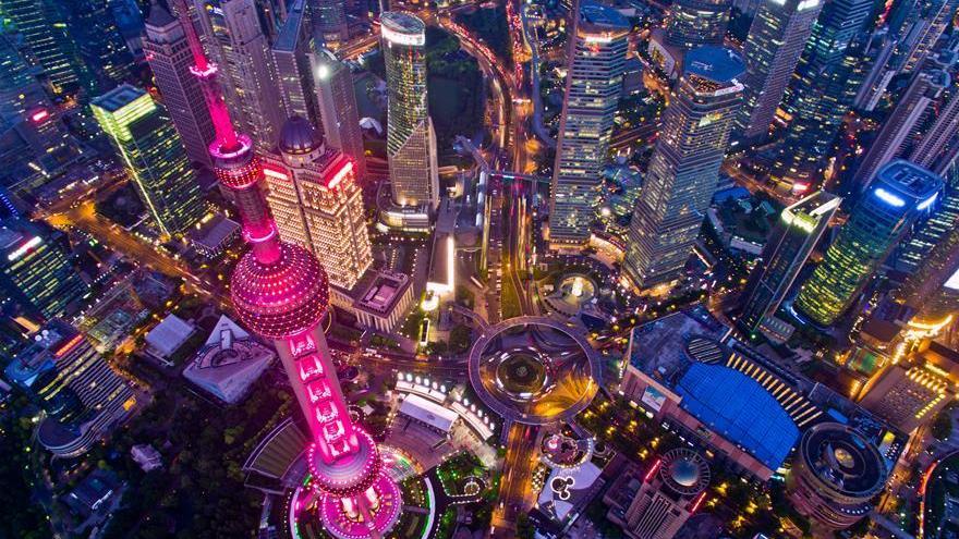 Shanghai illumine sa Perle de l'Orient en rouge pour encourager les sportifs chinois à Rio