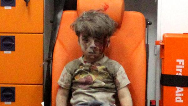 La photo d'un jeune garçon syrien choque à nouveau l'Europe