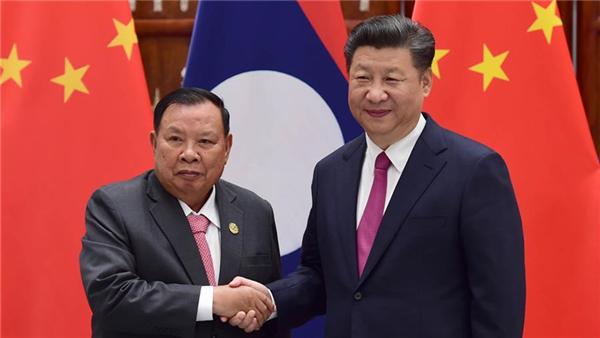 Xi Jinping propose de bâtir une communauté de destin avec le Laos