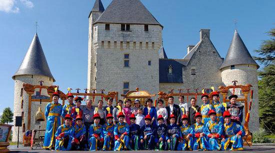 Exposition sur le temple du Ciel au château du Rivau