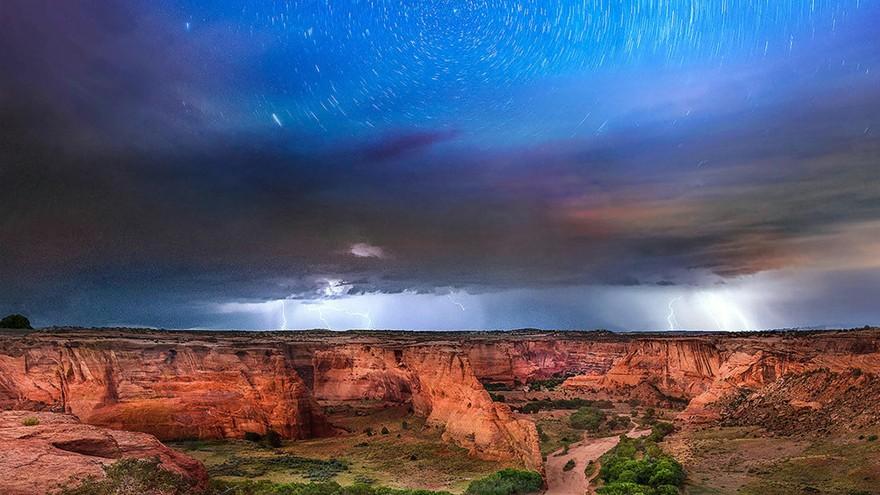 En images : la voie lactée et la tempête