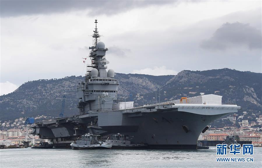 France le porte avions charles de gaulle mis en cale for Porte avion francais