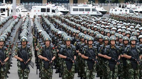 Prestation de serment pour la lutte contre le terrorisme et le renfort de la sécurité dans le Xinjiang
